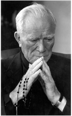 fr-peyton-praying.jpg