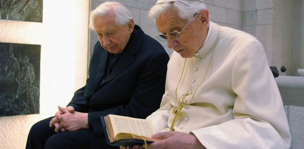 POPE BENEDICT PRAYS WITH BROTHER IN CHAPEL AT VATICAN
