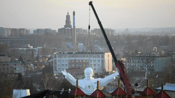 Monument to Blessed John Paul II raised into position in Czestochowa, Poland