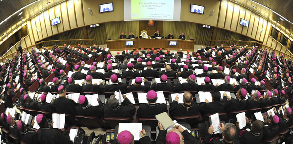 POPE LEADS SESSION OF SYNOD IN ITS CLOSING DAYS