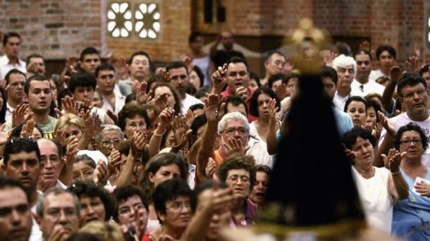 http://saltandlighttv.org/blog/wp-content/uploads/2013/07/Aparecida-prayer-cropped.jpg