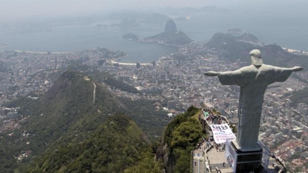 Rio Corcovado cropped