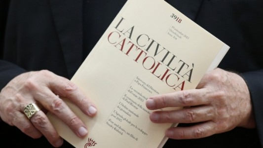 civila catolica crop