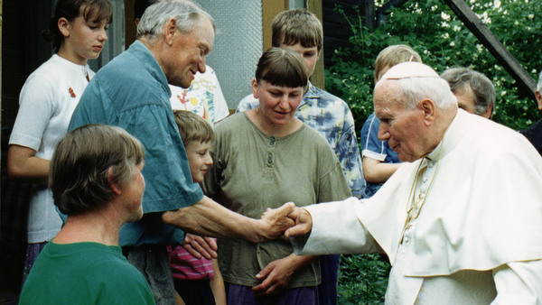 FAMILY GREETS POPE IN UNEXPECTED VISIT