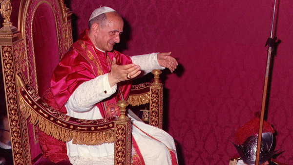 Pope Paul VI carried on ceremonial throne during meeting of Second Vatican Council in 1964