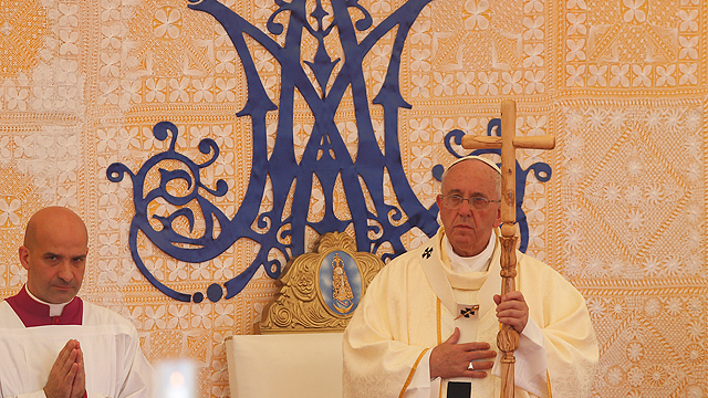 Pope_Paraguay_CaacupeMass