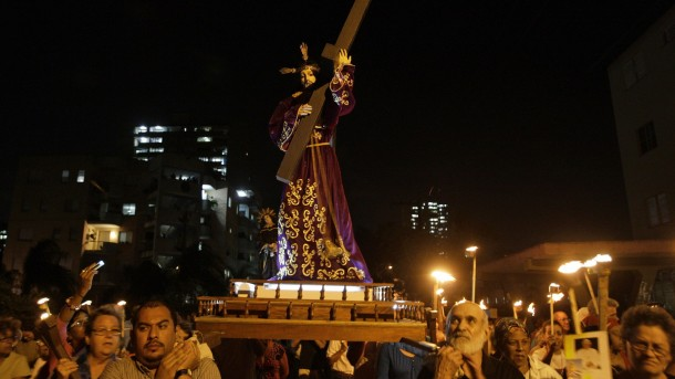 CUBANS TAKE PART IN OUTDOOR STATIONS OF CROSS IN HAVANA THIS LENT