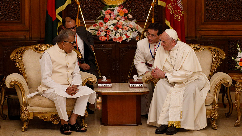 Pope Francis' address to the Diplomatic Corps and Civil Society in Bangladesh