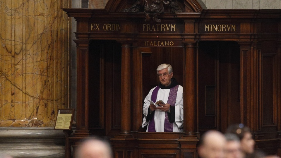 Perspectives Daily: Priests being forced to break the seal of confession