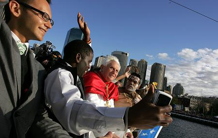 Youth join Pope Benedict XVI on the boatacade in Sydney Harbour