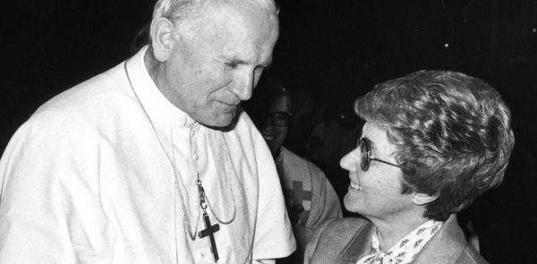 CHIARA LUBICH PICTURED WITH POPE JOHN PAUL II IN 1982