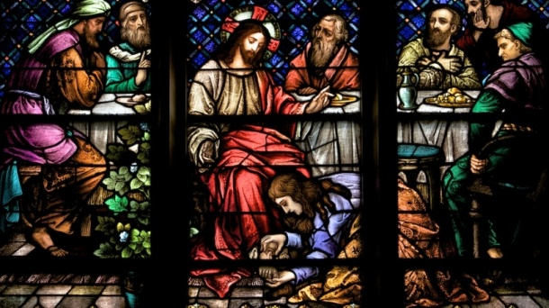 Jesus anointed by woman cropped