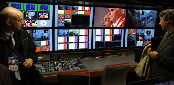 JOURNALISTS VISIT VATICAN'S NEW HIGH-DEFINITION MOBILE STUDIO