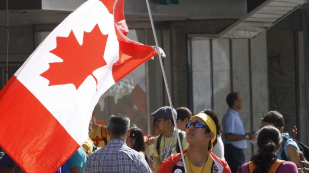 canadian flag_crop