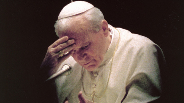 L'OSSERVATORE ROMANO PHOTO SHOWS LATE POPE PRAYING THE ROSARY