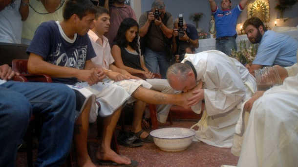 Bergoglio foot washing
