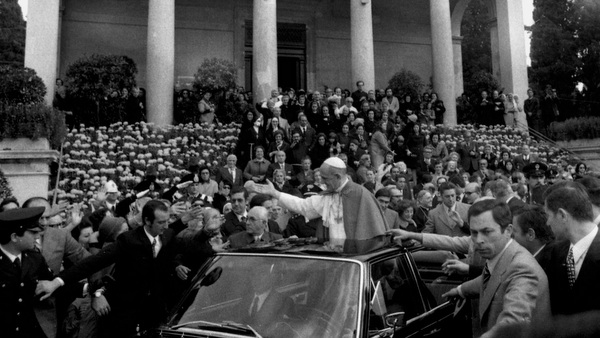 File photo of Pope Paul VI greeting crowd during 1973 visit to Rome cemetery