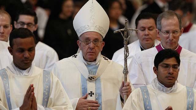 Pope Francis Mary1