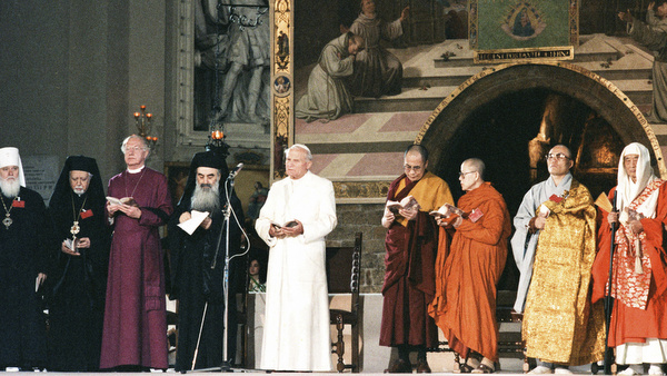 FILE PHOTO OF POPE JOHN PAUL II AT 1986 INTERRELIGIOUS ENCOUNTER IN ASSISI