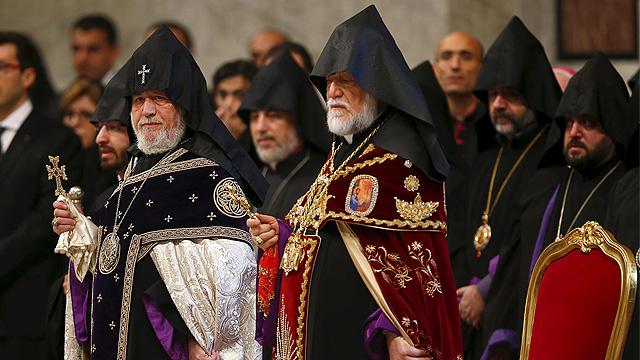 Francis_Armenia3