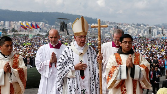 Francis_Mass_Ecuador