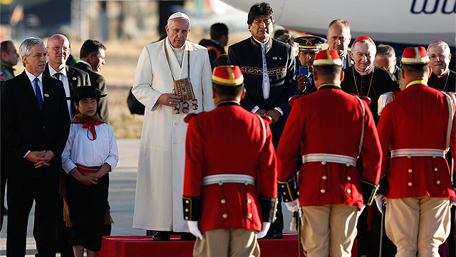 Pope_Bolivia_Airport
