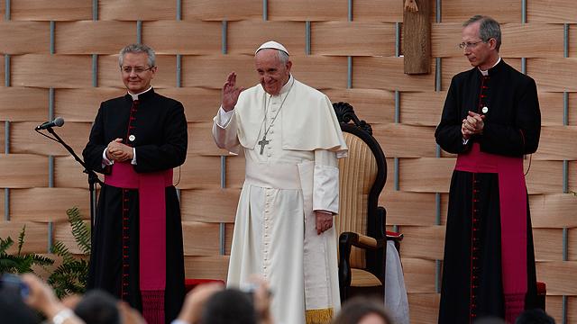 Pope_Ecuador_Educators