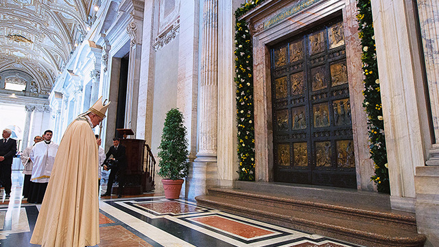 St. Peter's Basilica, Holy Door