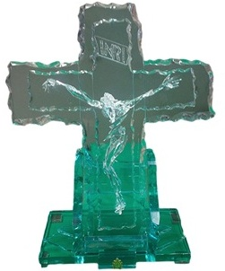 Papal gift crystal cross to prison