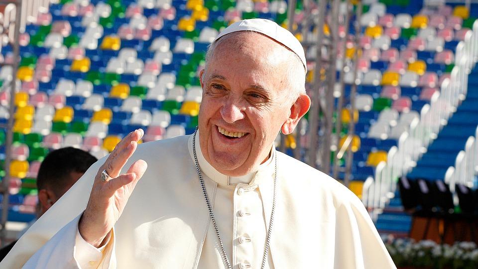 20161001t0340-055-cns-pope-georgia-mass