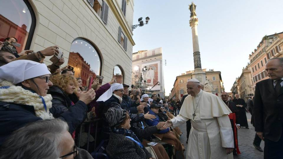 "Pope Francis in Piazza di Spagna: ""I come to pay you homage"""