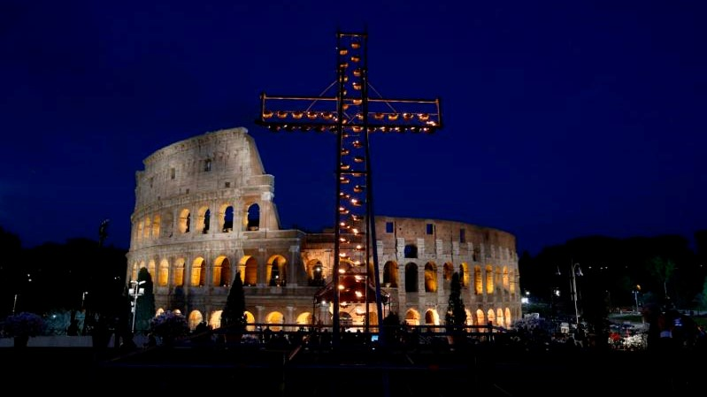The crosses of the world: Pope Francis' Good Friday prayer