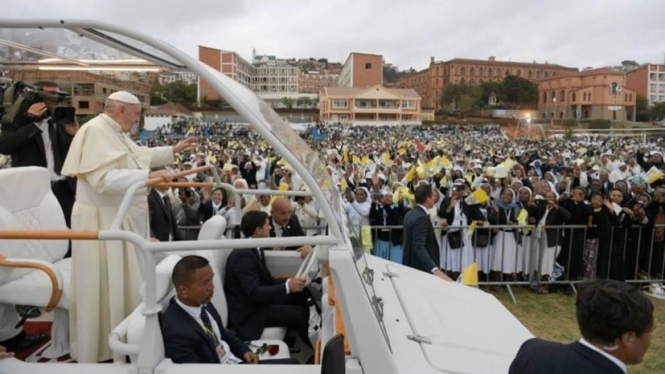Pope in Madagascar: Angelus from theDiocesan Grounds of Soamandrakizay, Antananarivo