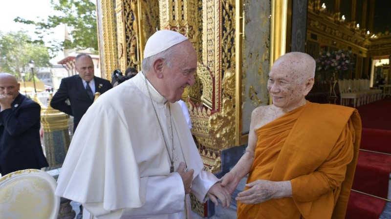 Pope in Thailand: Greeting to the Supreme Patriarch of Buddhists