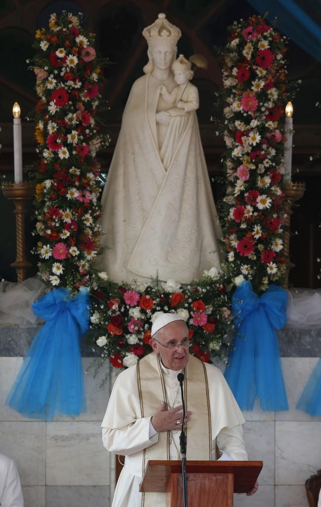 Pope Francis prays at Sanctuary of Our Lady of the Rosary in Madhu, Sri Lanka