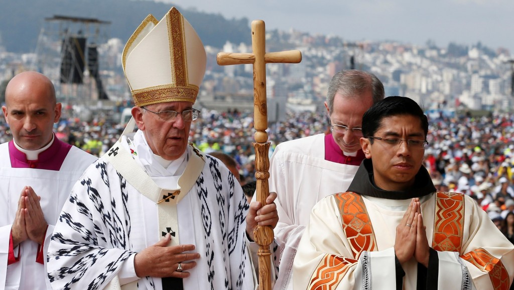 Pope Francis arrives to celebrate Mass in Bicentennial Park in Quito, Ecuador, July 7. (CNS photo/Paul Haring) See POPE-UNITY July 7, 2015.