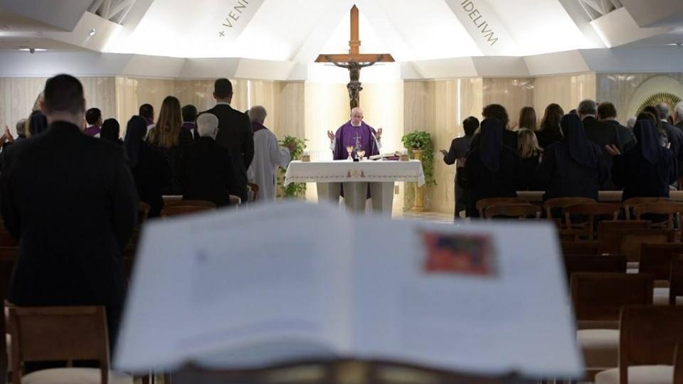 教宗:瞻仰被釘十字架的基督,我們方能穿越自己的曠野