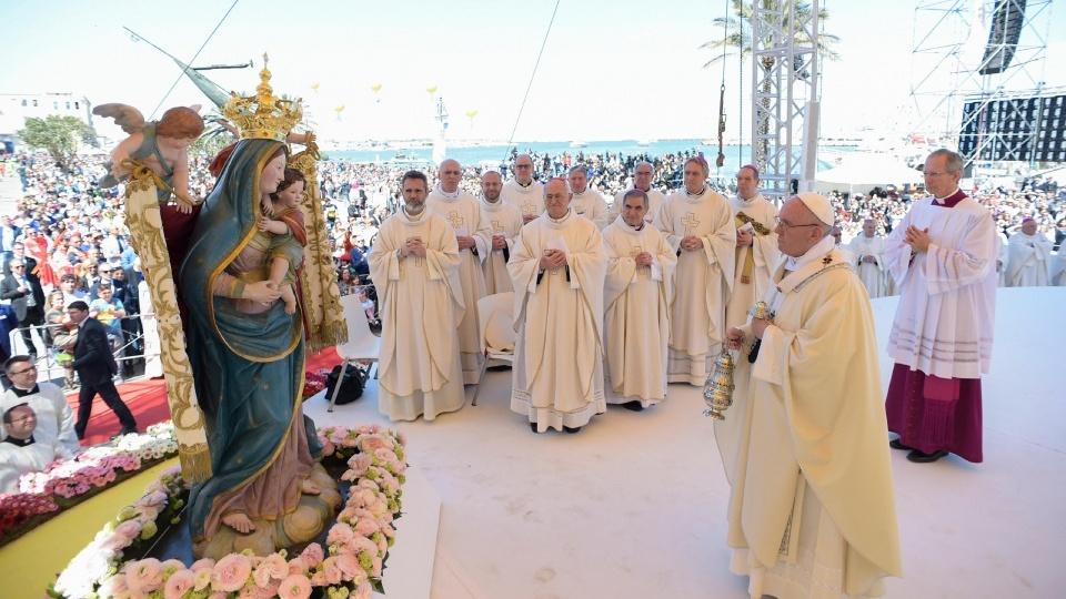 教宗:效法耶穌,為他人成為被掰開的餅