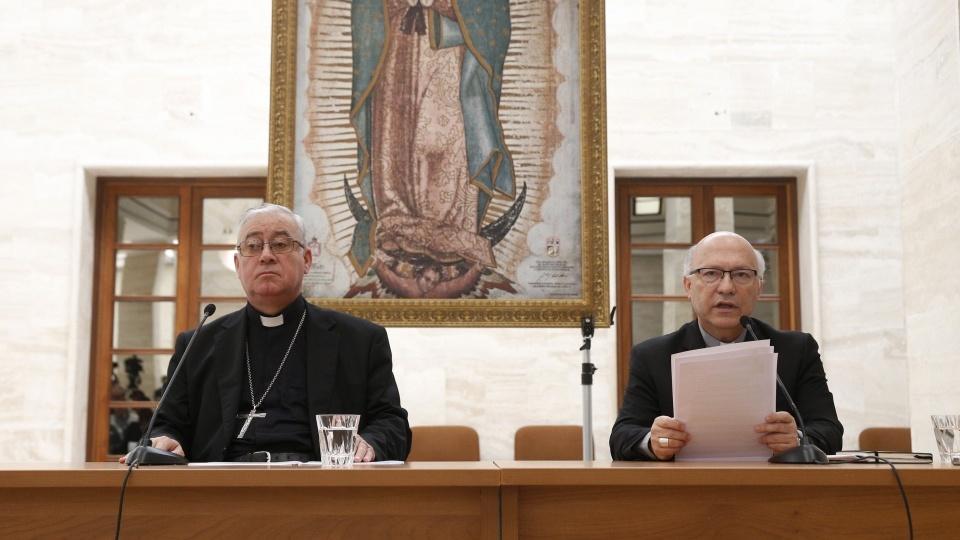智利主教們請求受害者的寬恕