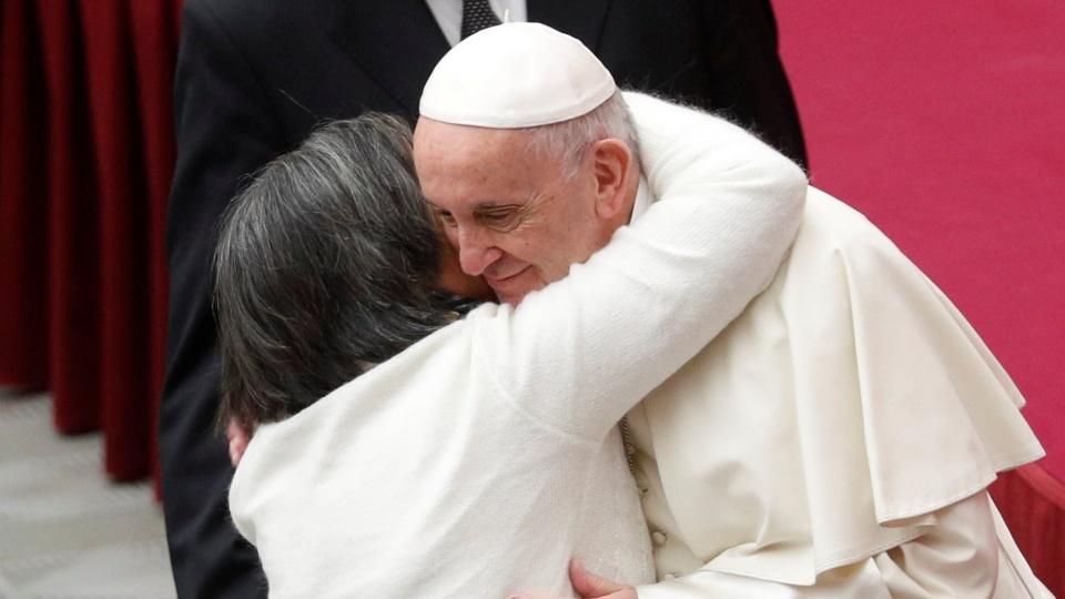 教宗公開接見:祈禱以生活本身為開端,讓我們免於絕望