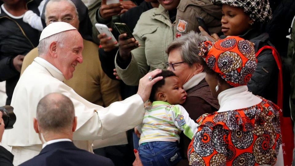 教宗公開接見:別讓聖誕節變得世俗化