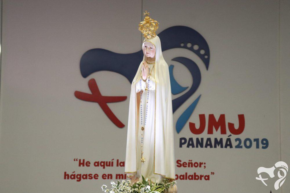 在巴拿馬世青中的花地瑪聖母像前祈禱補贖可獲全大赦