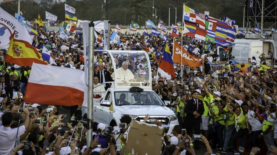 教宗方濟各:青年是和平的酵母