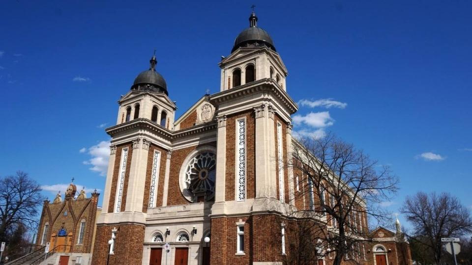 加拿大溫尼伯烏克蘭禮天主教主教座堂聖像人頭被磨斷偷走