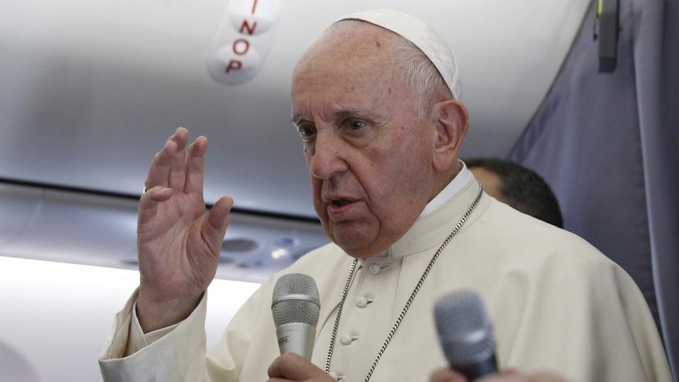 教宗機上記者會:傳統是未來的保障,不是灰燼的守護者