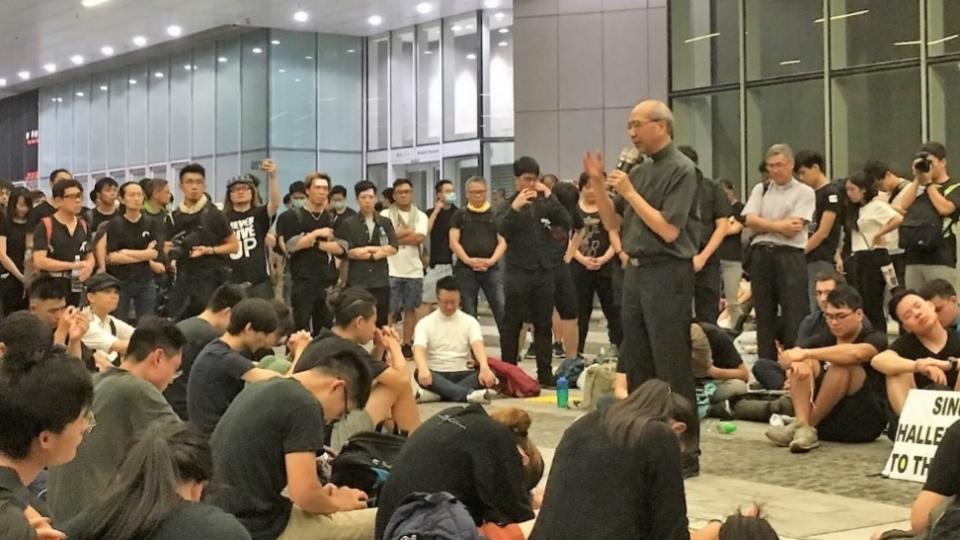 香港夏志誠輔理主教:「羊在哪裏,牧者就要在哪裏!」