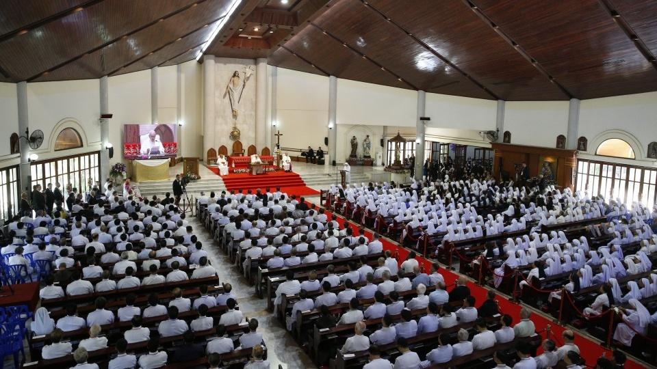 教宗方濟各在曼谷與神父、修會會士、度奉獻生活者、修生和要理教員會晤