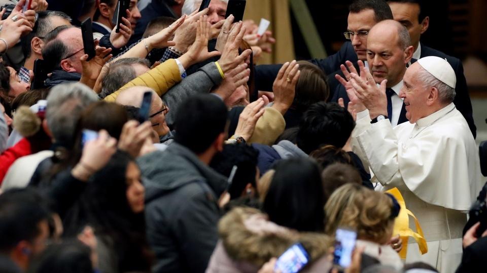 教宗公開接見:款待移民就是如同天主那樣愛他們