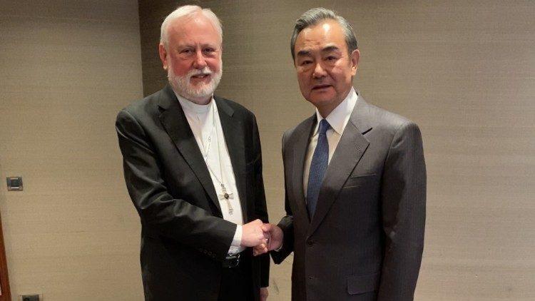 中梵外長70年來首次會晤