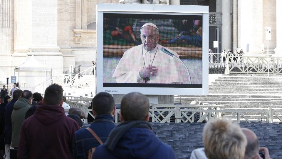 教宗三鐘經和公開接見活動因新冠疫情改為現場直播